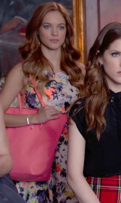 No Actor with Lacoste Vetical Tote Shopper Bag in Pitch Perfect 2