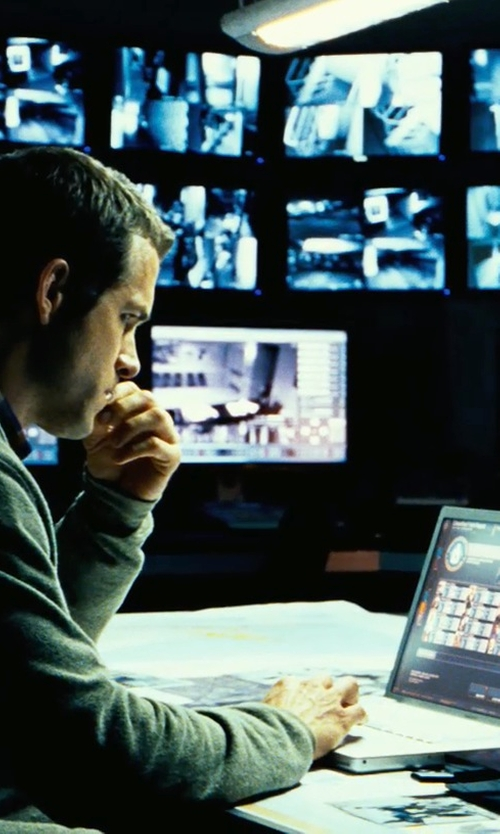 Ryan Reynolds with Dell Inspiron 17 7000 Series Touch in Safe House