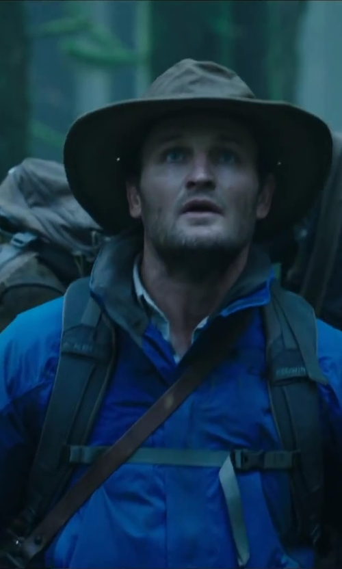 Jason Clarke with VICENZO LEATHER BAG CO. Leather Messenger Bag in Dawn of the Planet of the Apes