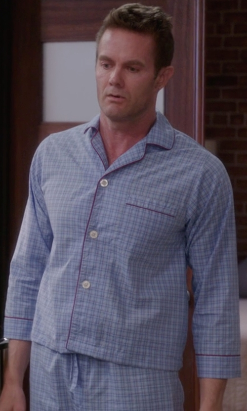 Garret Dillahunt with Brooks Brothers Check Pajamas in The Mindy Project