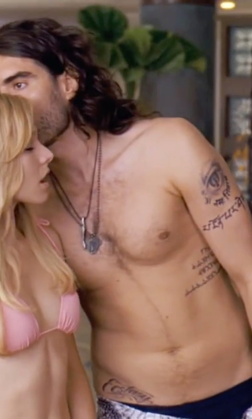 Russell Brand with Mango Leather Double Bracelet in Forgetting Sarah Marshall
