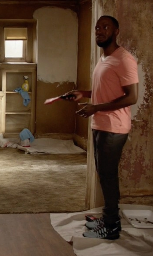 Lamorne Morris with Diadora Weave Running Shoes in New Girl