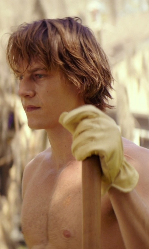 Luke Bracey with Bear Wallow Glove Company Ranch Hand Goatskin Gloves in The Best of Me