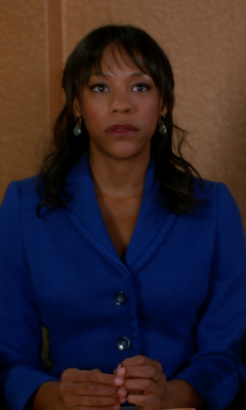 Anika Noni Rose with Alexander Mcqueen Crepe blazer in The Good Wife