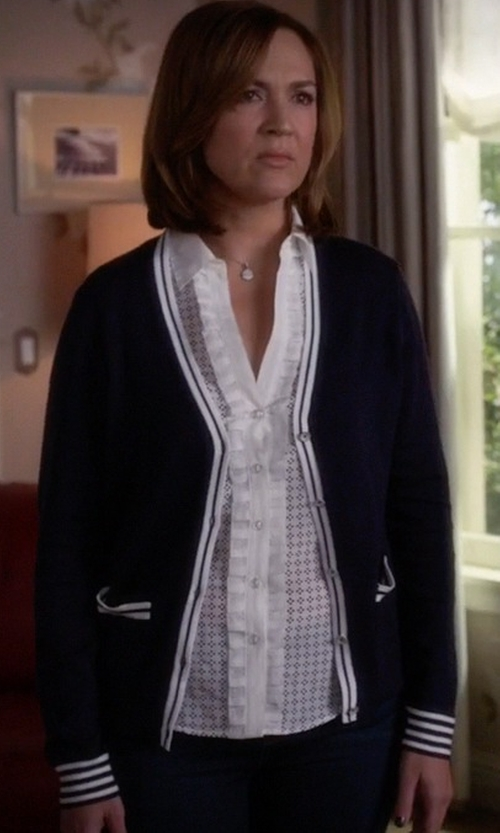 Lesley Fera with Nic + Zoe Golden Days Geometric Pattern Cardigan in Pretty Little Liars