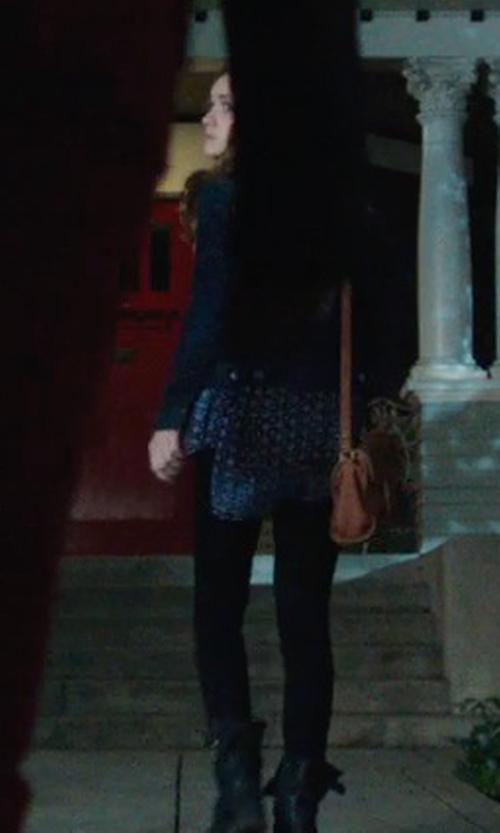 Olivia Cooke with Paige Denim Skyline Skinny Stretch Jeans in Ouija