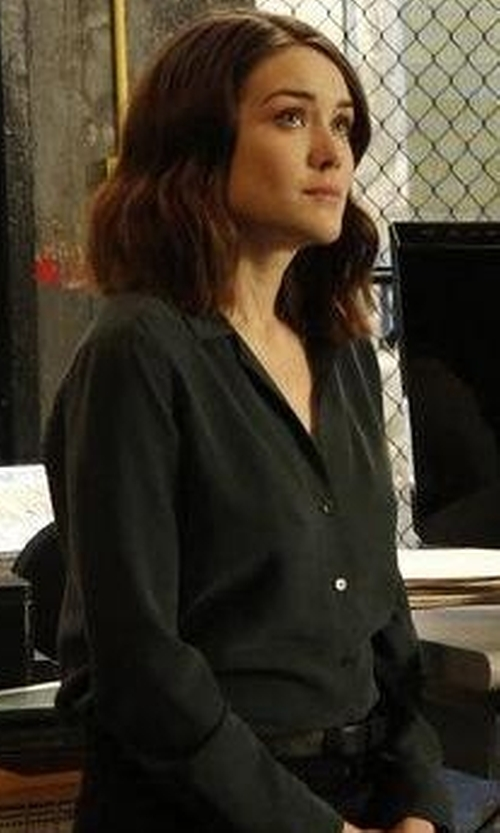 Megan Boone with Lacoste L.12.12 Concept Belt in The Blacklist