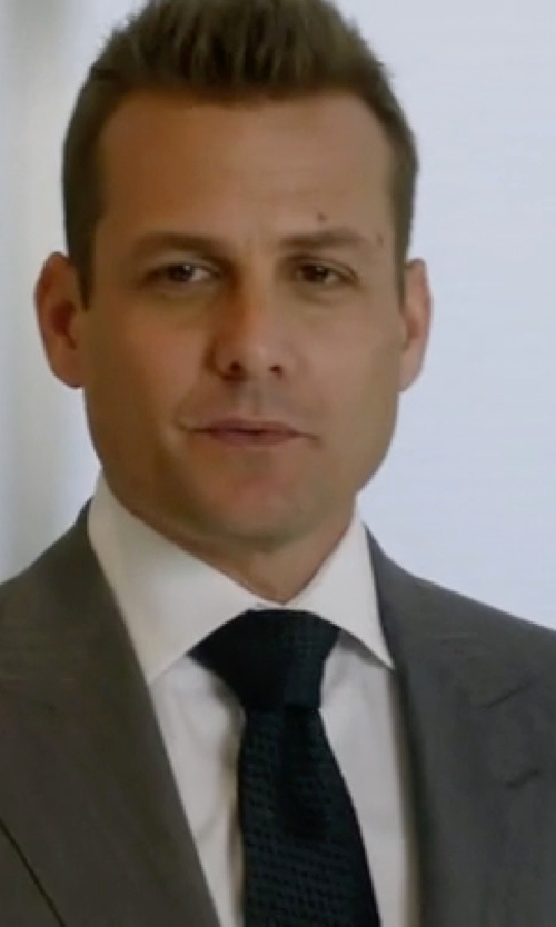 Gabriel Macht with Theory Warsop Roadster Textured Solid Skinny Tie in Suits