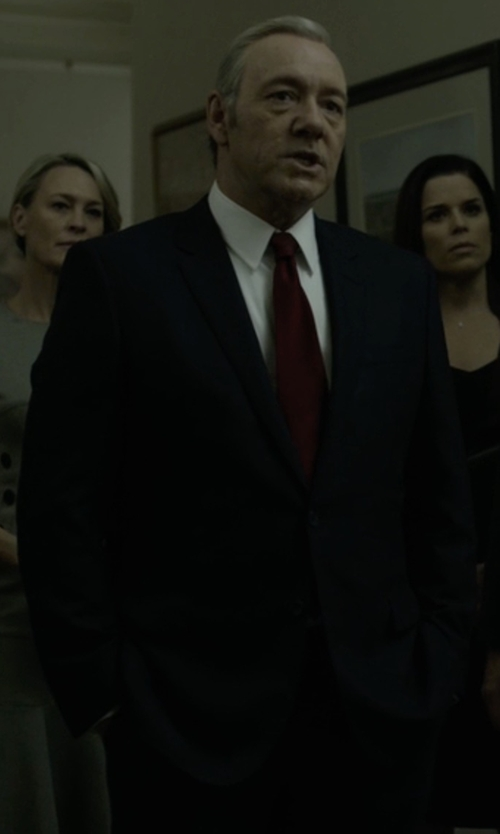 Kevin Spacey with Hugo Boss Custom Made Black Notch Lapel Suit in House of Cards