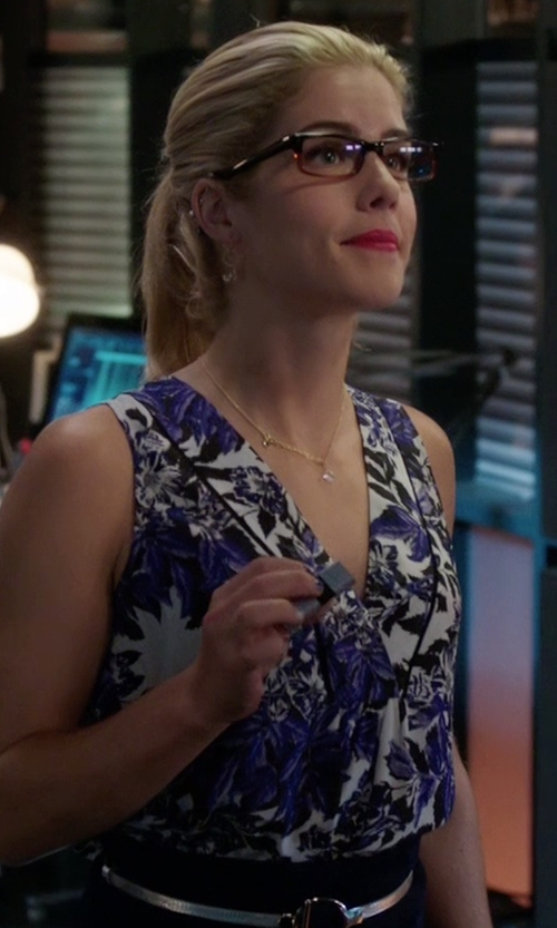 Emily Bett Rickards with Rebecca Taylor 'Flame' Sleeveless V-Neck Top in Arrow