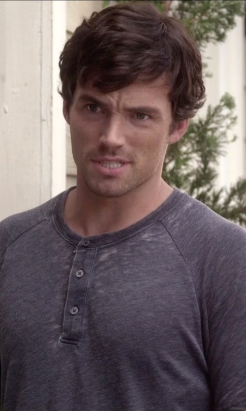 Ian Harding with Vince Melange Henley Tee in Pretty Little Liars