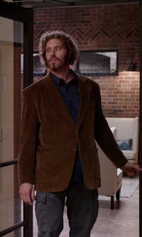 T.J. Miller with Nordstrom Classic Fit Stretch Corduroy Blazer in Silicon Valley