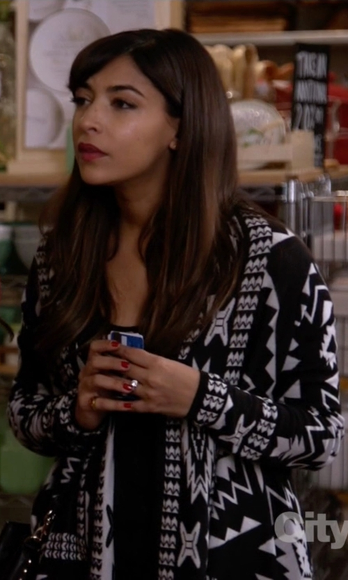 Hannah Simone with H&M Jacquard-Knit Cardigan in New Girl