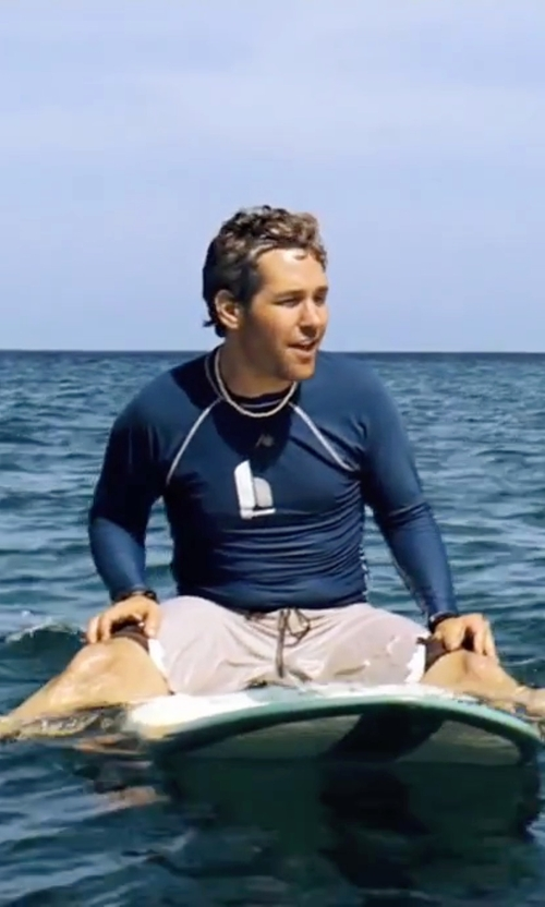 Paul Rudd with Daniel Buchler Silk & Cotton Shorts in Forgetting Sarah Marshall
