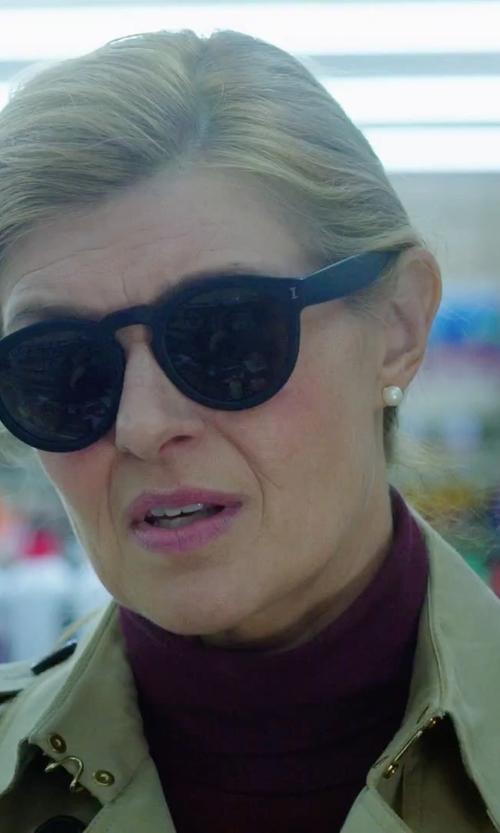 Connie Britton with Shwood Canby Titanium Sunglasses in American Ultra