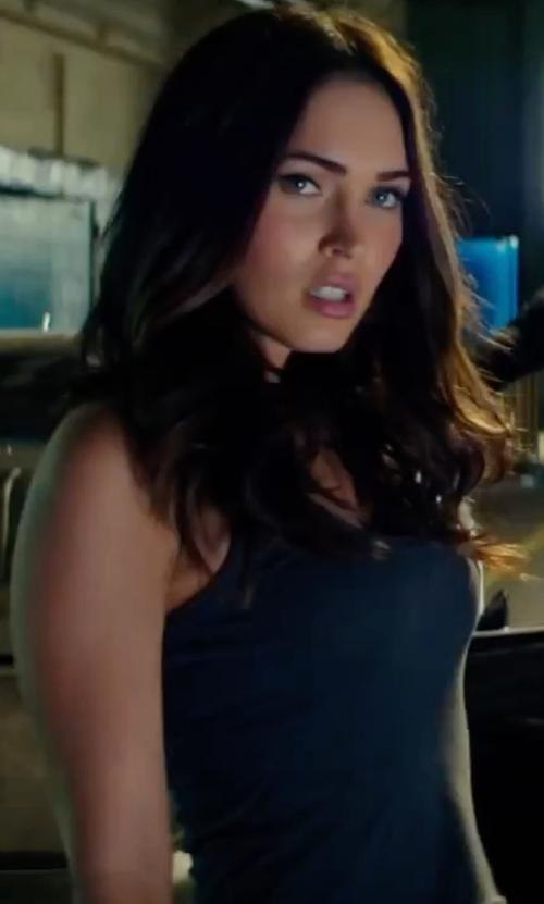 Megan Fox with Rag & Bone/Jean Base Tank Top in Teenage Mutant Ninja Turtles: Out of the Shadows