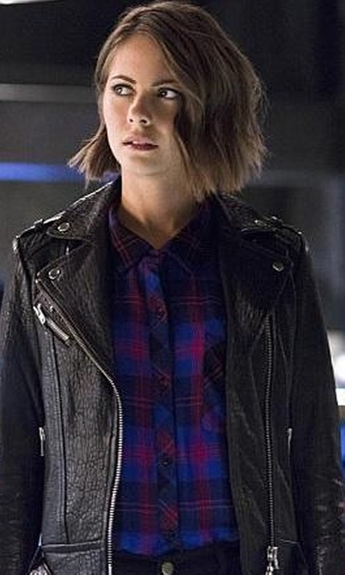 Willa Holland with Rails Hunter Plaid Flannel Button-Down Shirt in The Flash