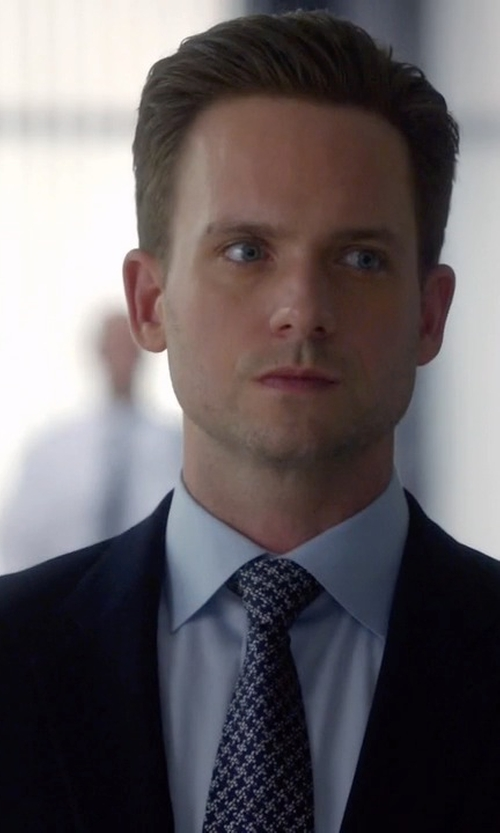 Patrick J. Adams with Tom Ford Houndstooth Jacquard Tie in Suits
