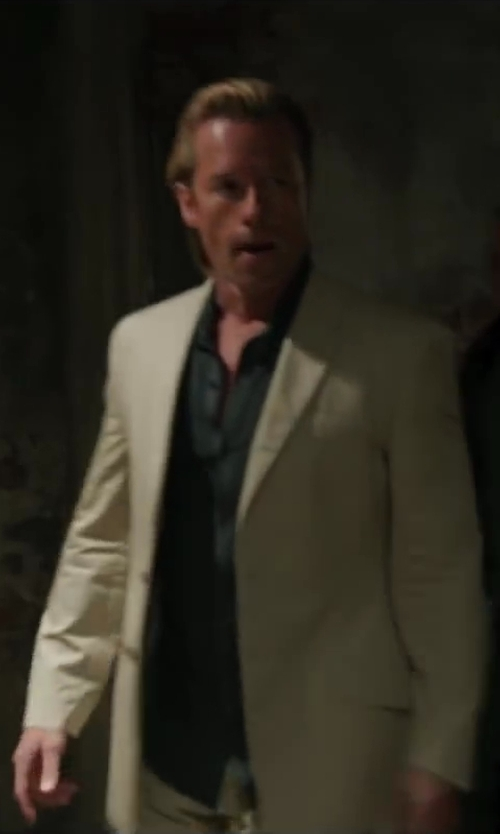 Guy Pearce with Loro Piana Four-Pocket Trousers in Iron Man 3