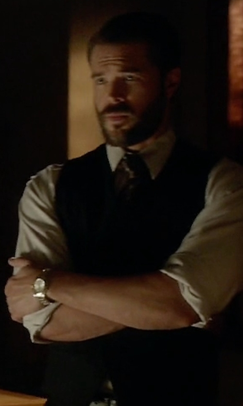 Charlie Weber with Burberry Large Check Stamped Bracelet Watch in How To Get Away With Murder