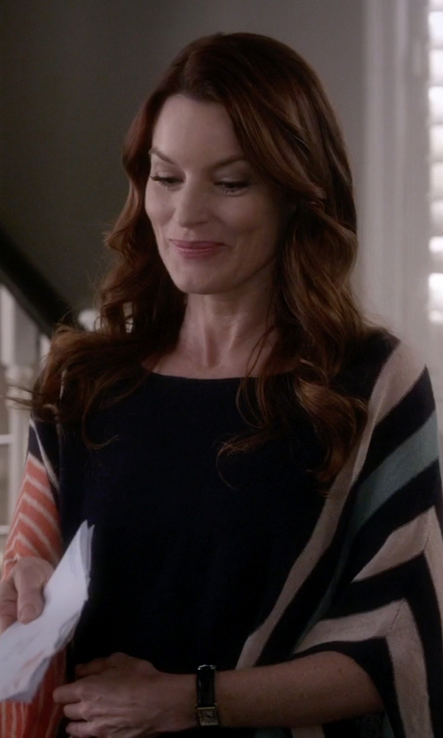 Laura Leighton with Moth Briston Striped Poncho in Pretty Little Liars