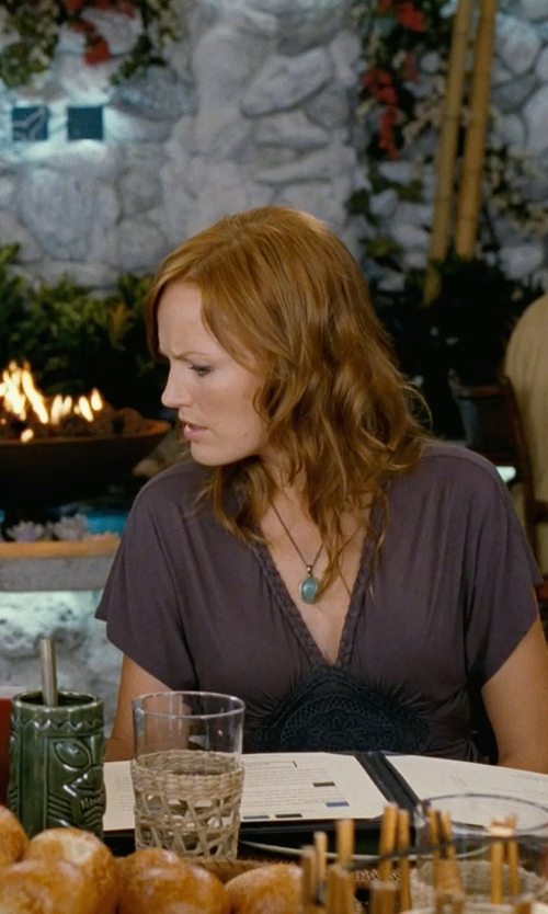 Malin Akerman with Bonyak Jewelry Genuine Jade Cabochon Pendant in 14k Yellow Gold in Couple's Retreat