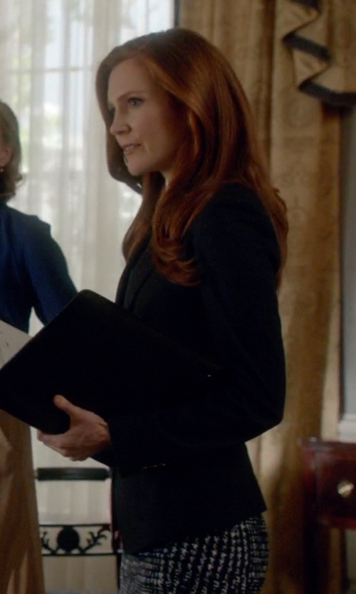 Darby Stanchfield with Theory Edition 2 Custom Gabe Blazer in Scandal