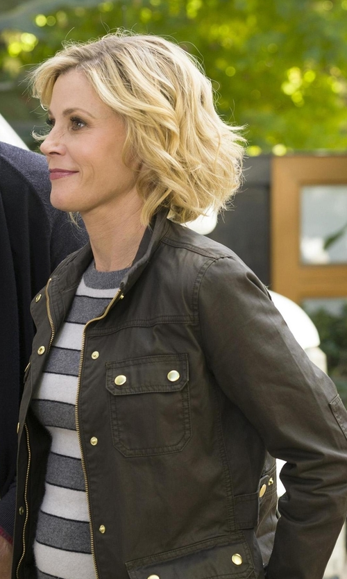 Julie Bowen with J. Crew The Downtown Field Jacket in Modern Family