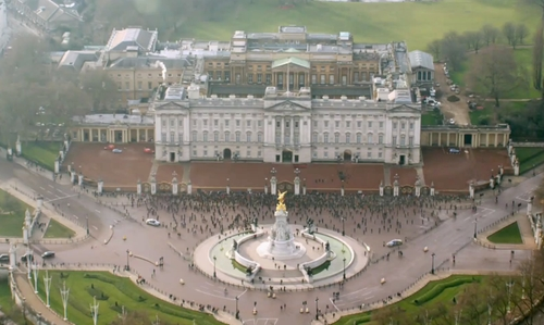 Unknown Actor with Buckingham Palace London, United Kingdom in London Has Fallen