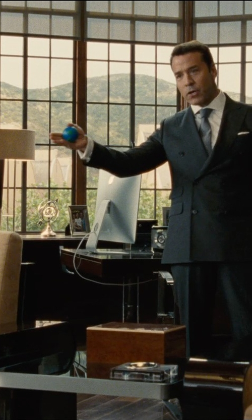 Jeremy Piven with Ren-Wil Justice Table Lamp in Entourage