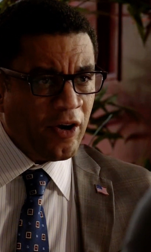 Harry Lennix with David Donahue Geometric Silk Tie in The Blacklist