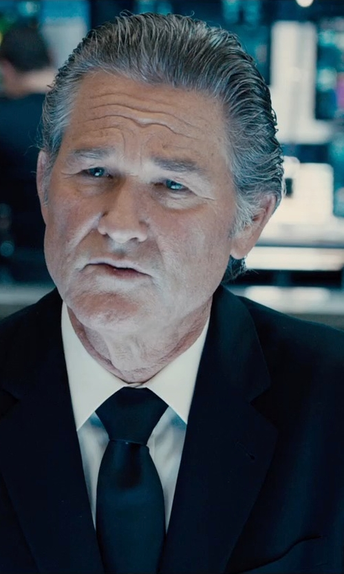 Kurt Russell with Armani Collezioni Solid Classic Tie in Furious 7