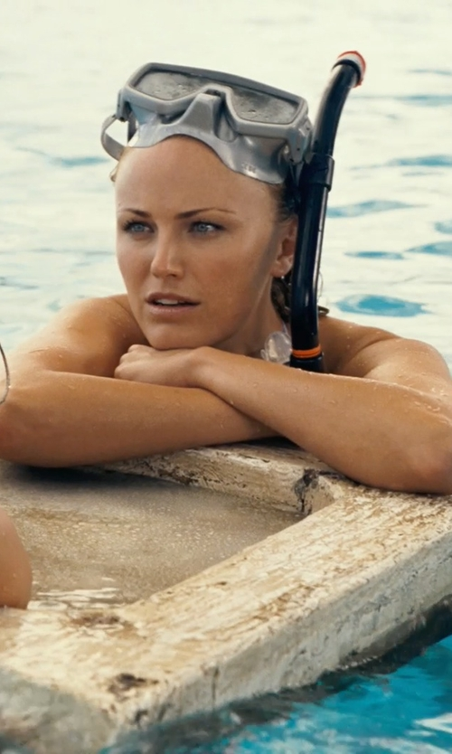 Malin Akerman with Panda Superstore Black Anti Fog Freediving Mask & Snorkel Set Snorkeling Goggles in Couple's Retreat