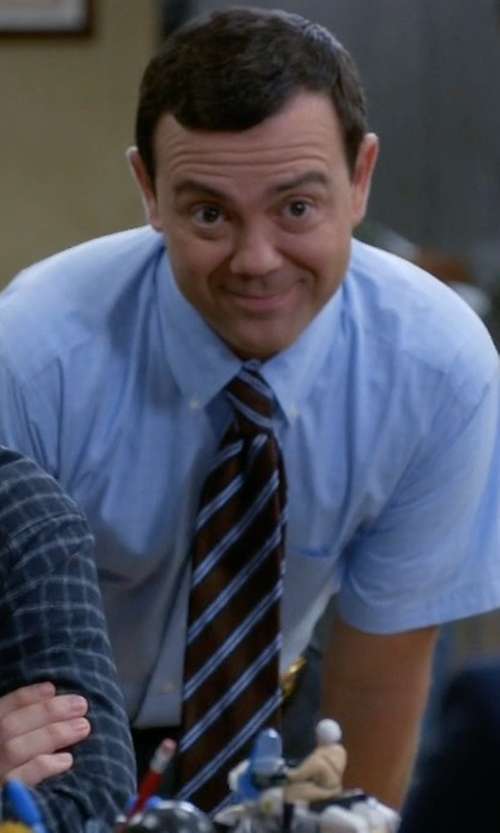Joe Lo Truglio with Todd Snyder White Label Silk & Cotton Tie in Brooklyn Nine-Nine