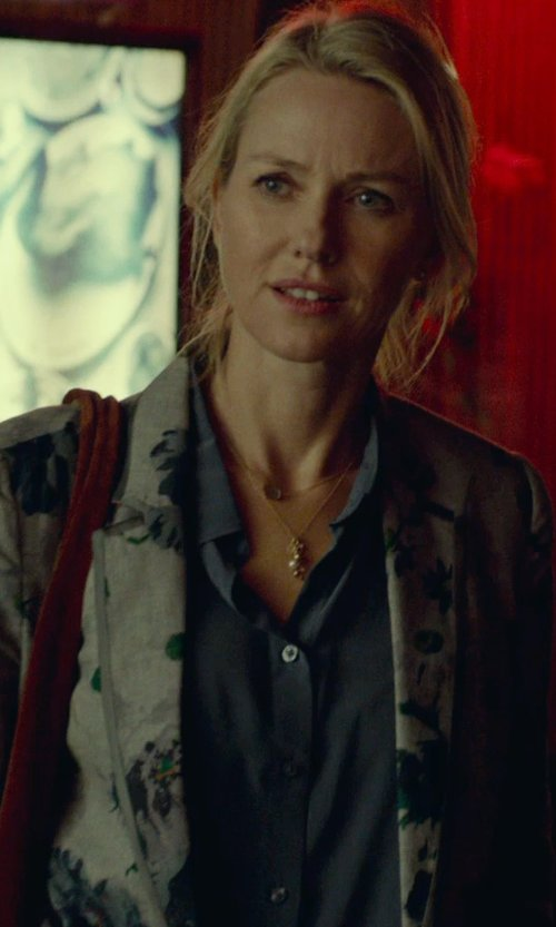 Naomi Watts with Splendid Rayon Voile Button Down Shirt in While We're Young