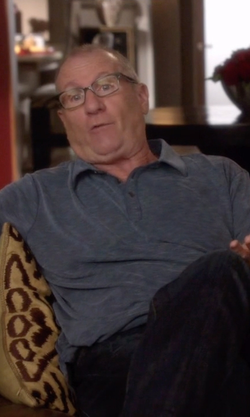 Ed O'Neill with David Yurman Streamline Band Ring in Modern Family