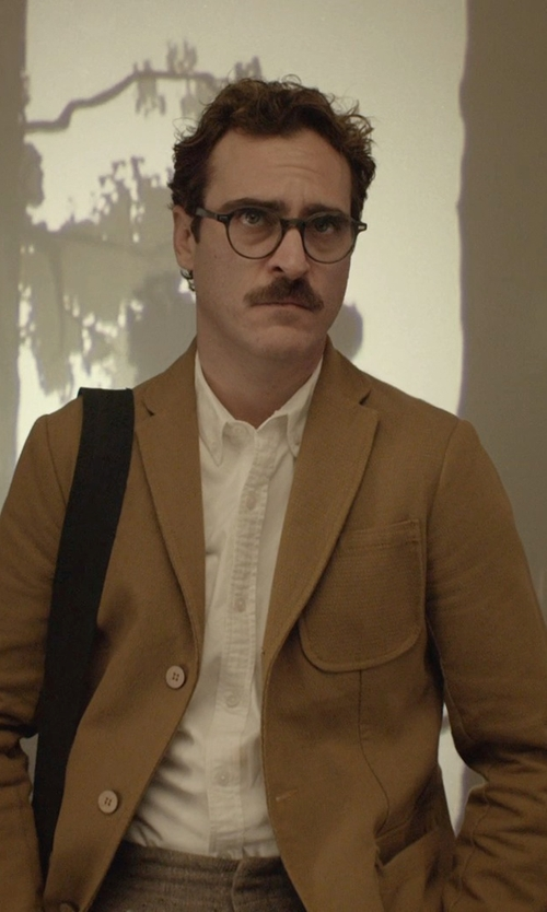 Joaquin Phoenix with Todd Snyder White Label Trim Fit Solid Dress Shirt in Her