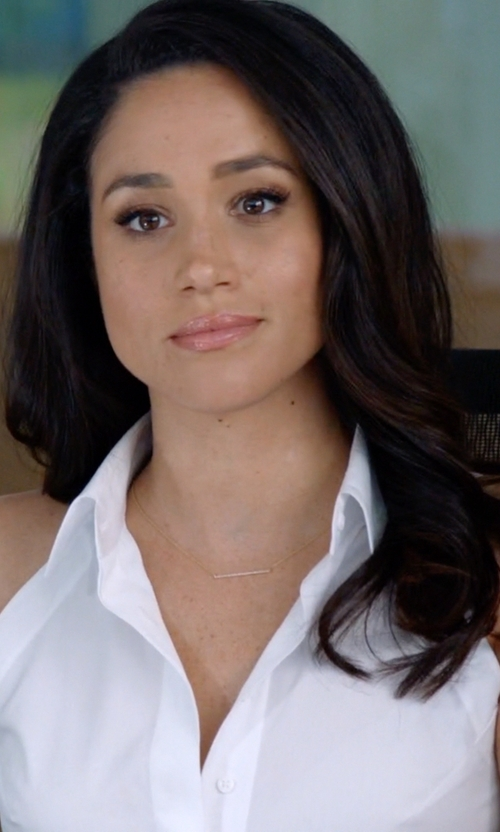 Meghan Markle with Michael Kors Pendant Necklace in Suits