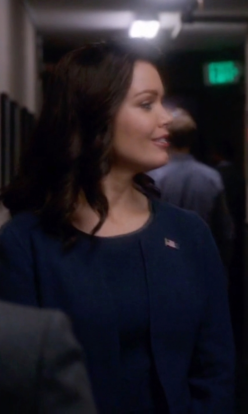 Bellamy Young with Talbots Solid Double Face Open Jacket in Scandal