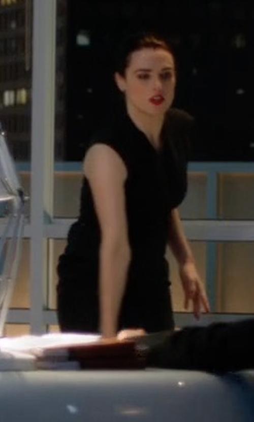 Katie McGrath with Elie Tahari Gwenyth Sleeveless V-Neck Sheath Dress in Supergirl