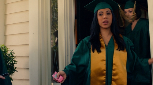 Chrissie Fit with Motorola Razr V3 Pink Thin Flip Phone in Pitch Perfect 2