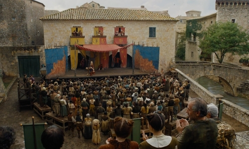 Maisie Williams with Plaça dels Jurats (Depicted as Braavos Plaza) Girona, Spain in Game of Thrones