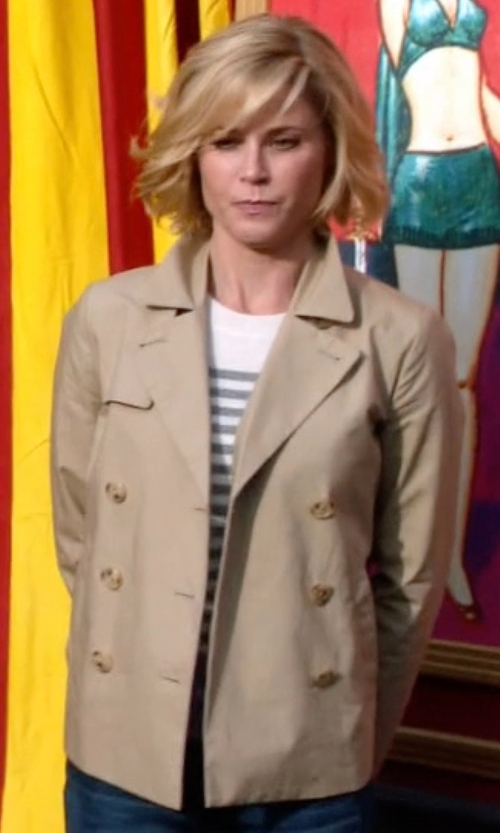 Julie Bowen with Aspesi Double Breasted Jacket in Modern Family