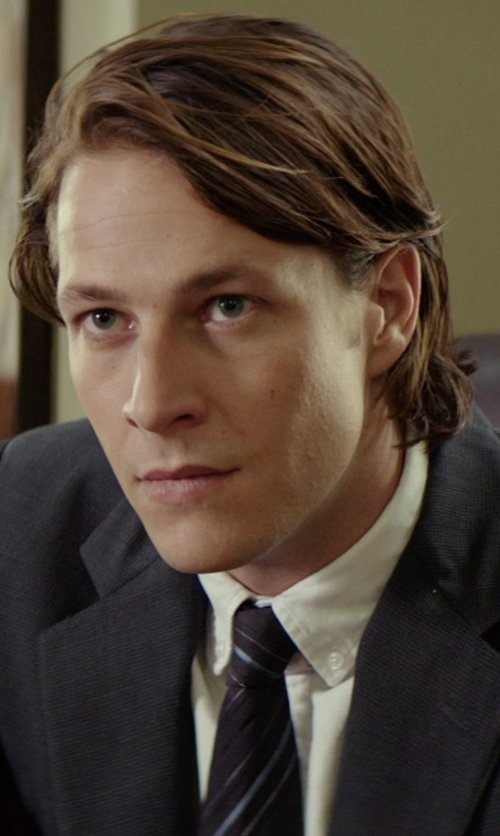 Luke Bracey with Brooks Brothers Regent Fit Button-Down Collar Dress Shirt in The Best of Me