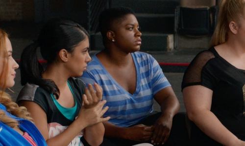 Ester Dean with Old Navy Striped Heathered V-Neck T-Shirt in Pitch Perfect 2