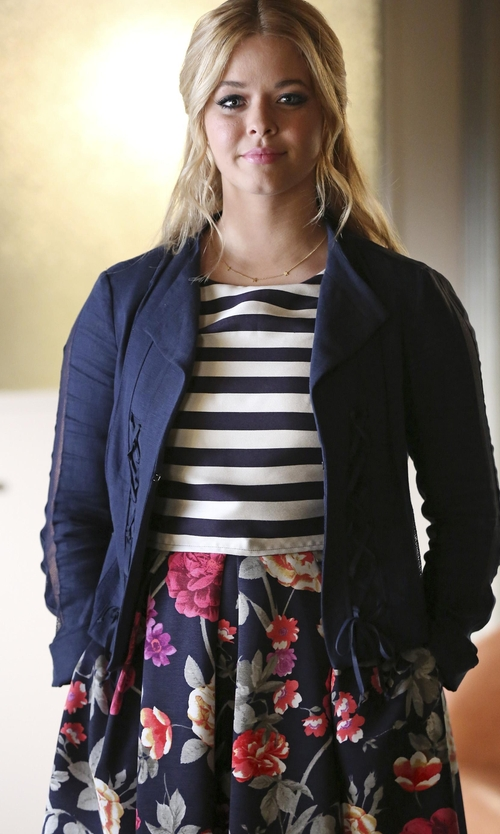 Sasha Pieterse with Anthropologie Moulinette Soeurs Split Print Dress in Pretty Little Liars
