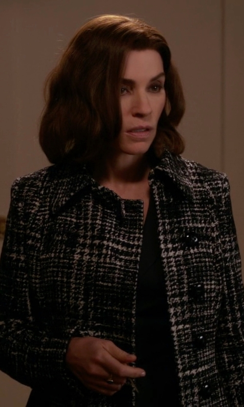 Julianna Margulies with Byblos Single Breasted Patterned Coat in The Good Wife