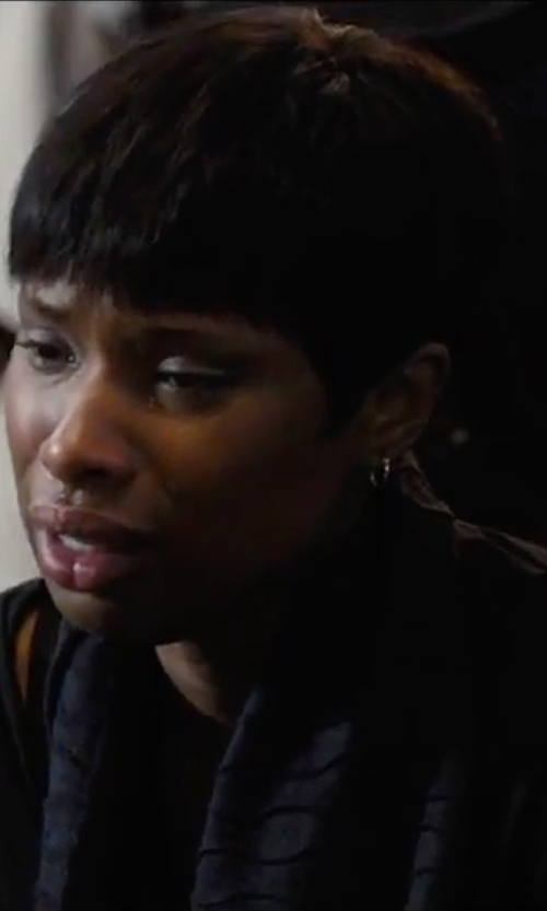 Jennifer Hudson with Forever 21 Textured Knit Scarf in Chi-Raq
