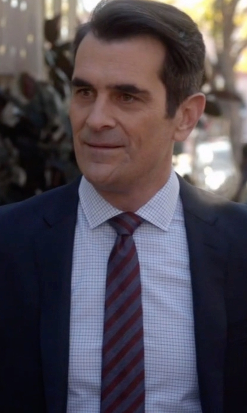 Ty Burrell with Black Brown 1826 Textured Stripe Tie in Modern Family