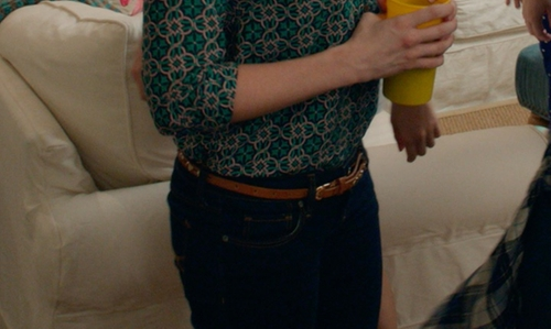 Brittany Snow with Pinko Black Thin Belt in Pitch Perfect 2